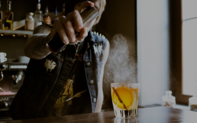 Why bartenders are the greatest people to go out with